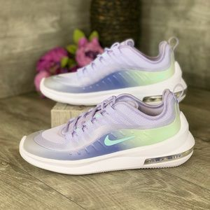 Nike Air Max Axis Prem Women's size 7.5